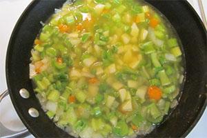 Sopa de apio y verduras
