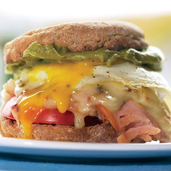 Sandwich con cheddar y guacamole