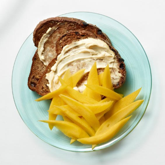 Tostada dulce con mango