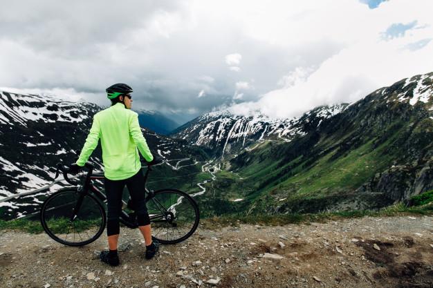 atleta en montaña