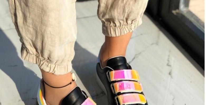 Yeni Trend : Hologram Ayakkabı Modelleri