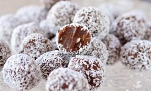 Biluţe din biscuiţi cu cacao