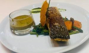 Peşte cu legume şi piure de mazăre