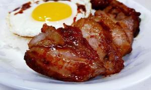 Mic dejun american cu bacon