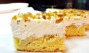 Prăjitură cu mere şi brânză