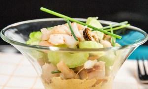 Salată cu fructe de mare şi ţelină