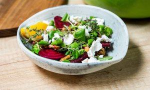 Salată de toamnă cu sfeclă