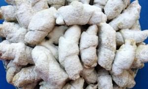 Cornuleţe umplute cu rahat