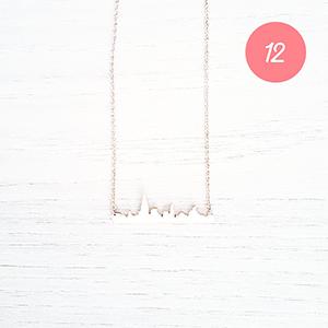 Un joli collier pour sa tenue du réveillon
