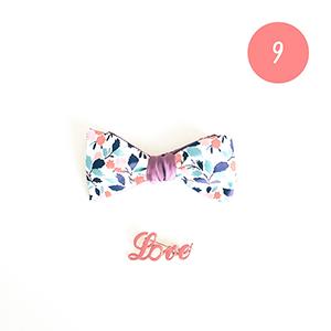 Un joli noeud papillon ou une jolie broche pour ajouter une touche originale à sa tenue du réveillon