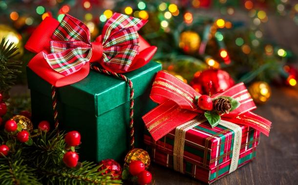 anul-nou-cadouri-craciun-fericit