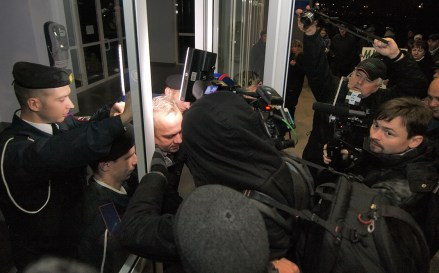 Press can't get into the City Council with People's Deputy of Ukraine