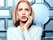 kinopoisk.ru-Angelina-Jolie-428380_1024