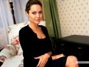 kinopoisk.ru-Angelina-Jolie-486914_1024