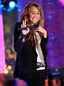 miley-cyrus-new-years-eve-84151728