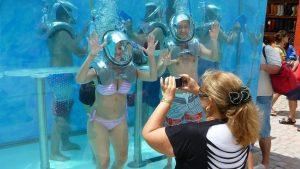 clear-lounge-underwater-bar2