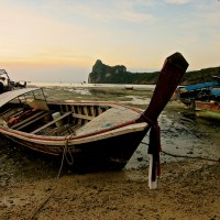 Diving into Ko Phi Phi (a haiku)