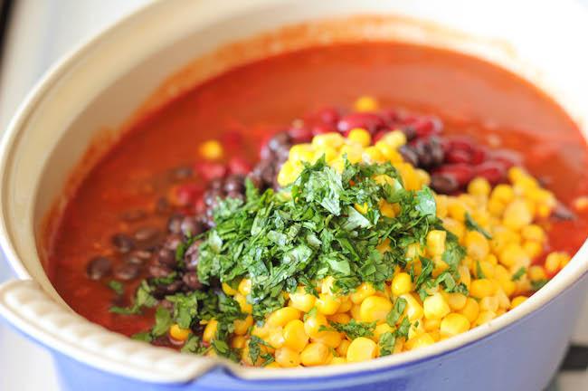 damn-delicious-quinoa-chili