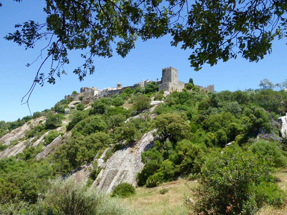Castellar de la Frontera perched on a hilltop