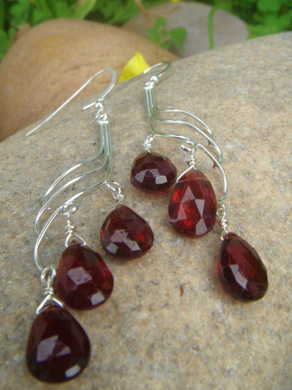 Garnet wave earrings