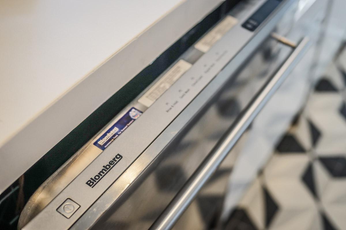 Blomberg Dishwasher Cle Tile