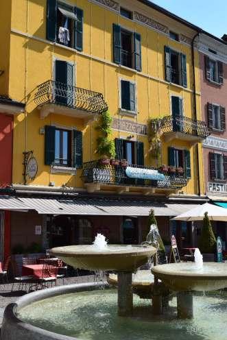 Argegno 'square' & restaurant
