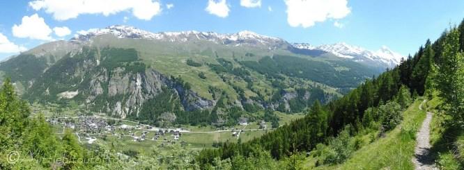 15 Sassenaire ridge with Evolène below