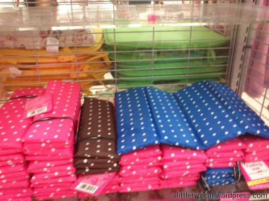 Foldable mats.