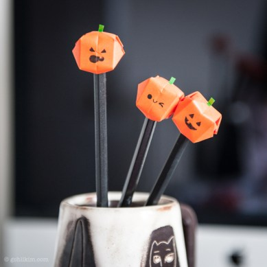 Halloween paper pencil topper