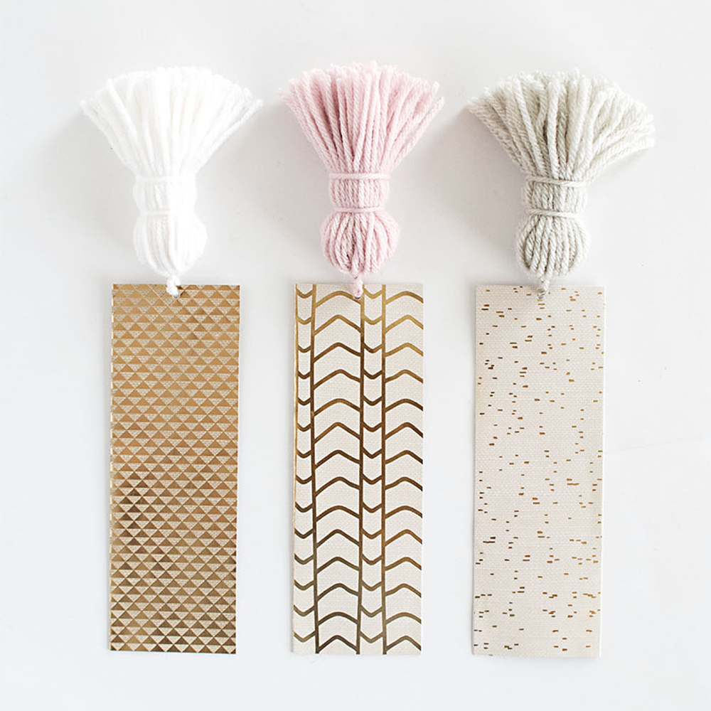 The perfect Christmas gift - DIY chunky tassel bookmarks | Aliz's Wonderland
