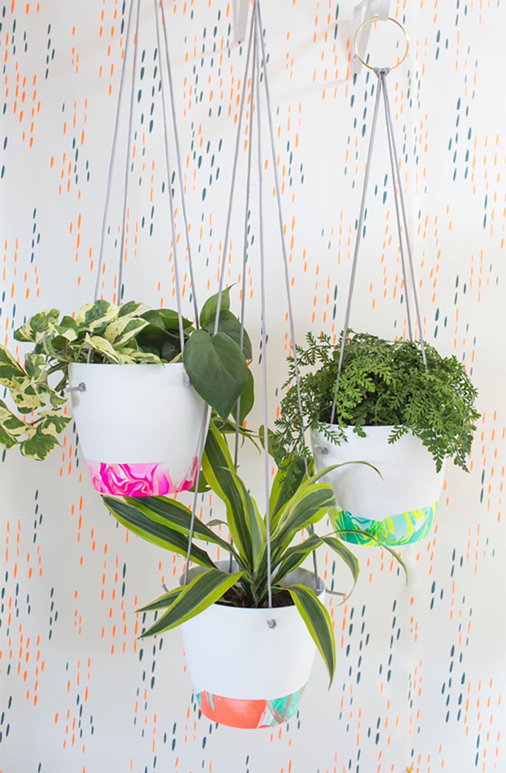 The perfect Christmas gift - DIY marbled planter | Aliz's Wonderland