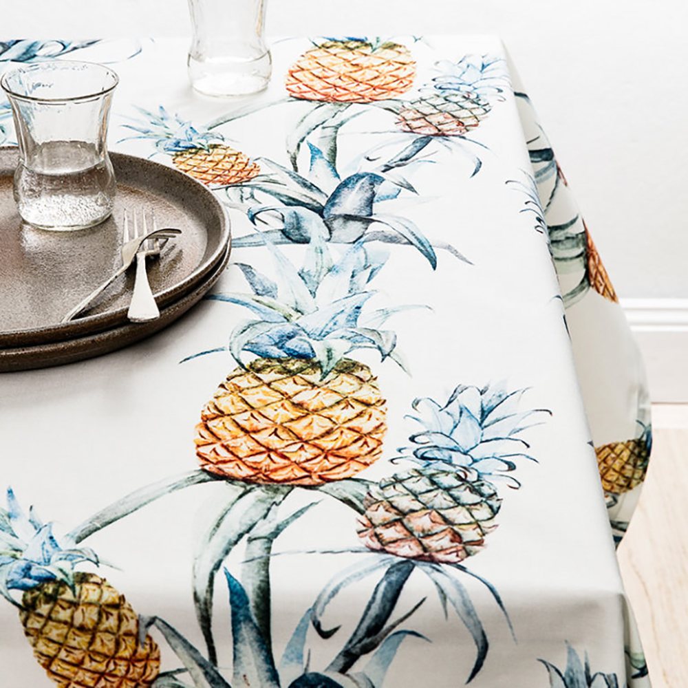 Basil Bangs Ananas tablecloth - Tropical kitchen - Transform your home into a tropical paradise | Aliz's Wonderland
