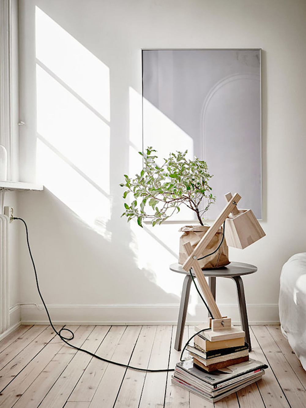 Wooden standing lamp for natural look - Transform your home into a tropical paradise | Aliz's Wonderland