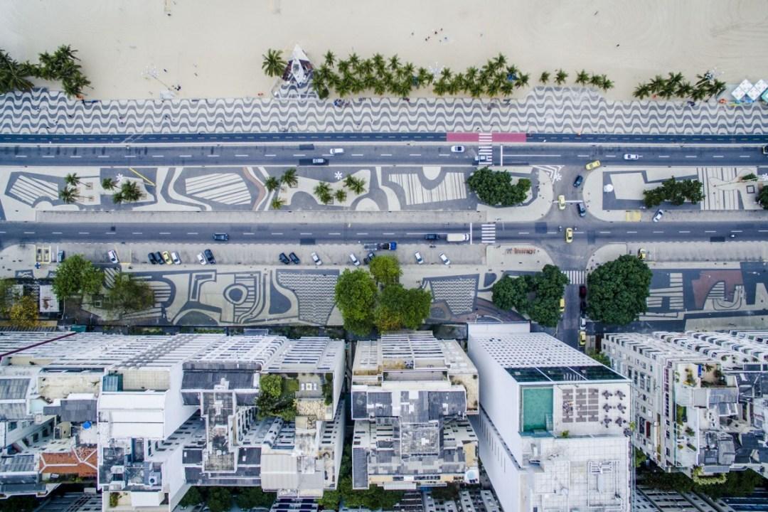 Praia Copacabana sidewalk pattern - Best beaches in Rio de Janeiro | Aliz's Wonderland