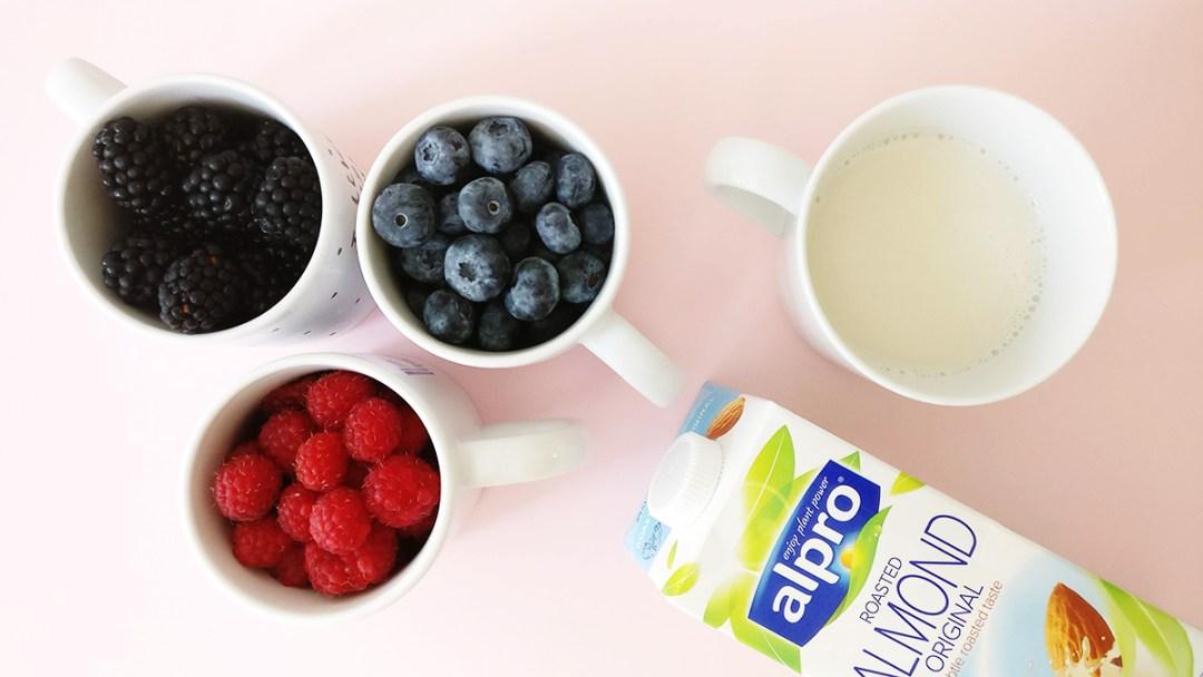 Antioxidant triple berry smoothie with blackberry, blueberry and raspberry   Aliz's Wonderland