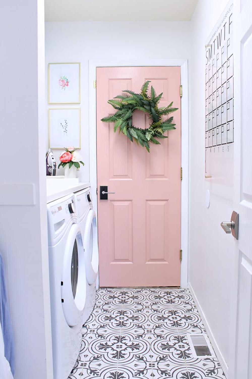 Pink bathroom door - Warm up your home with pink wall colour | Aliz's Wonderland