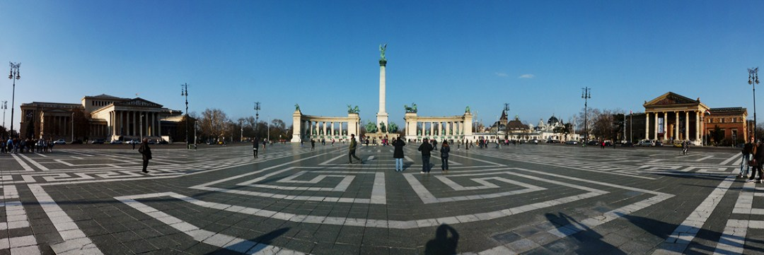 Heroes' square with the Millennium Memorial - 40 reasons to fall in love with Budapest | Aliz's Wonderland