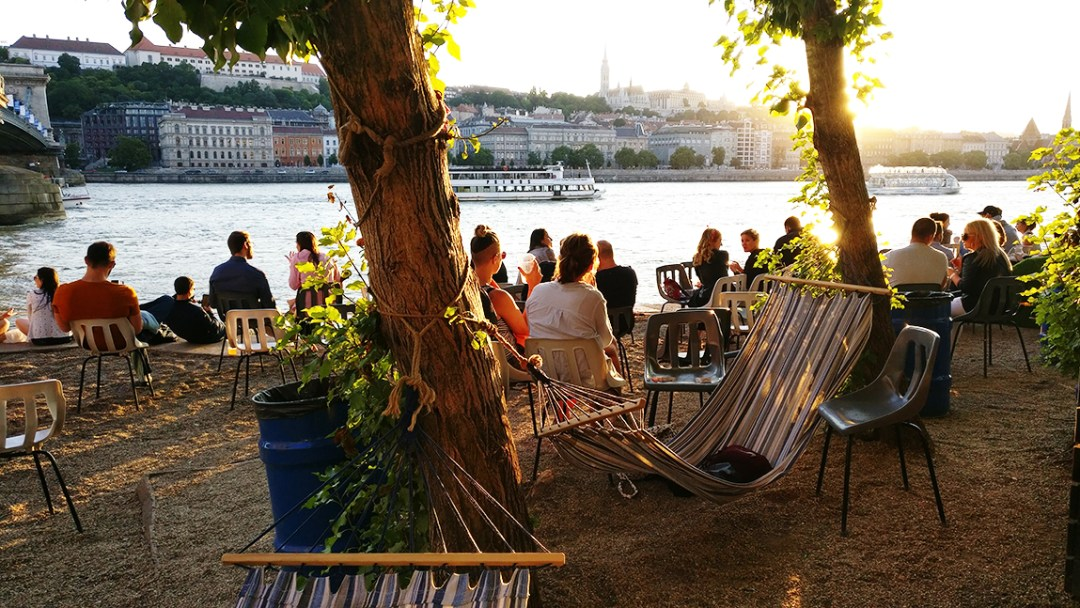Enjoy a drink at Pontoon with a view to the Chain bridge and Castle - 40 reasons to fall in love with Budapest | Aliz's Wonderland