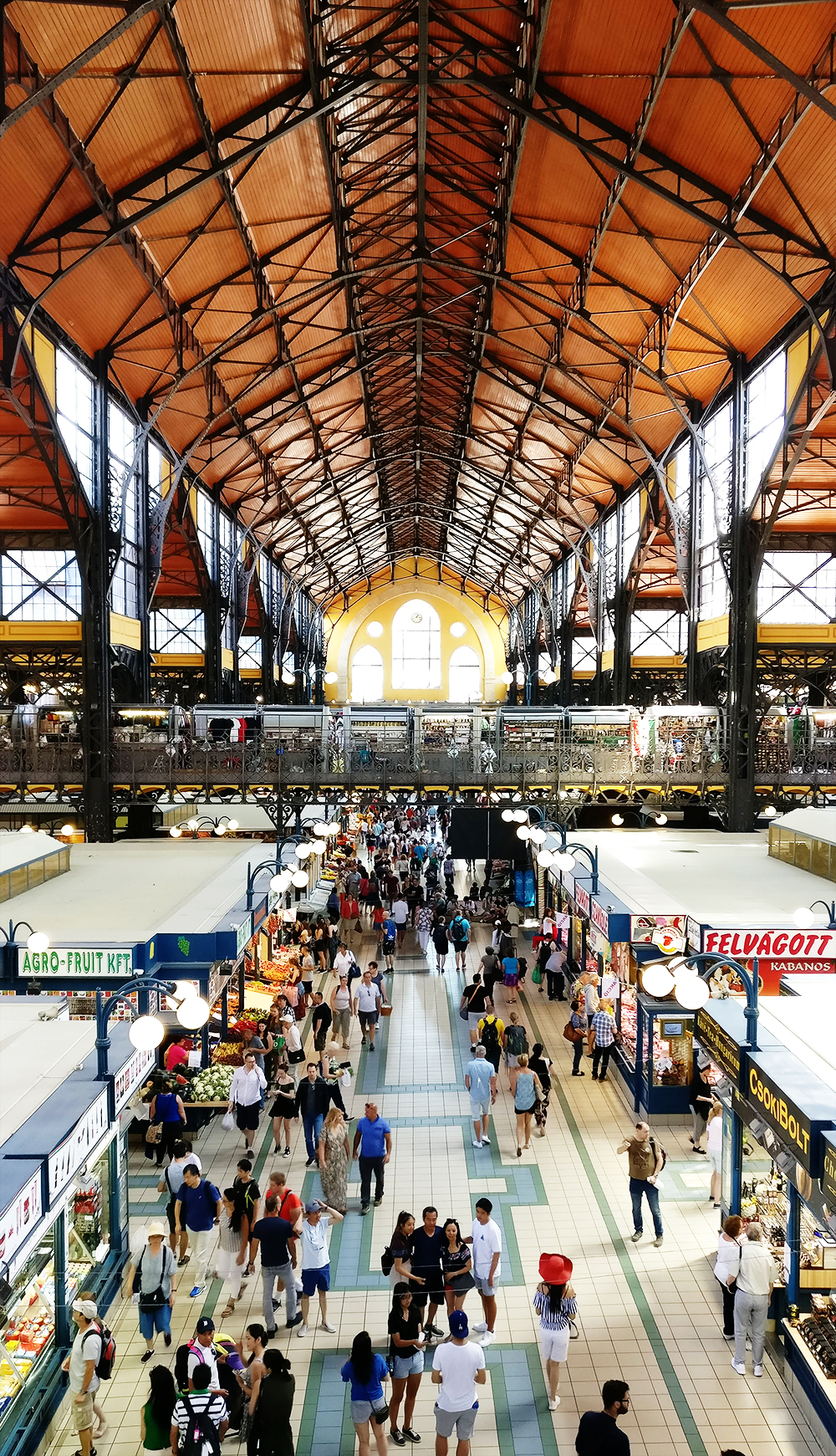 Discover the Great Market Hall, not every tourist attraction is pricey - 12 mistakes to avoid when visiting Budapest, Hungary | Aliz's Wonderland #Budapest #Budapestguide #Hungary