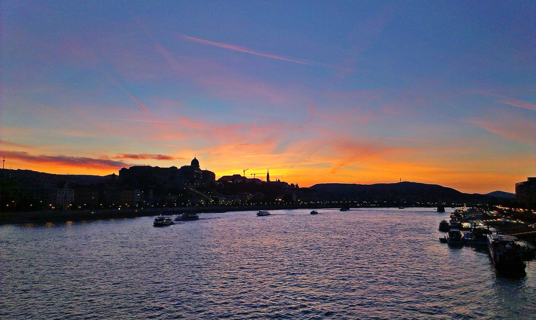Walk along the Danube riverbank - Budapest bucket list - Top things to do in Budapest   Aliz's Wonderland #travel #Budapest #bucketlist #Budapestbucketlist #printable