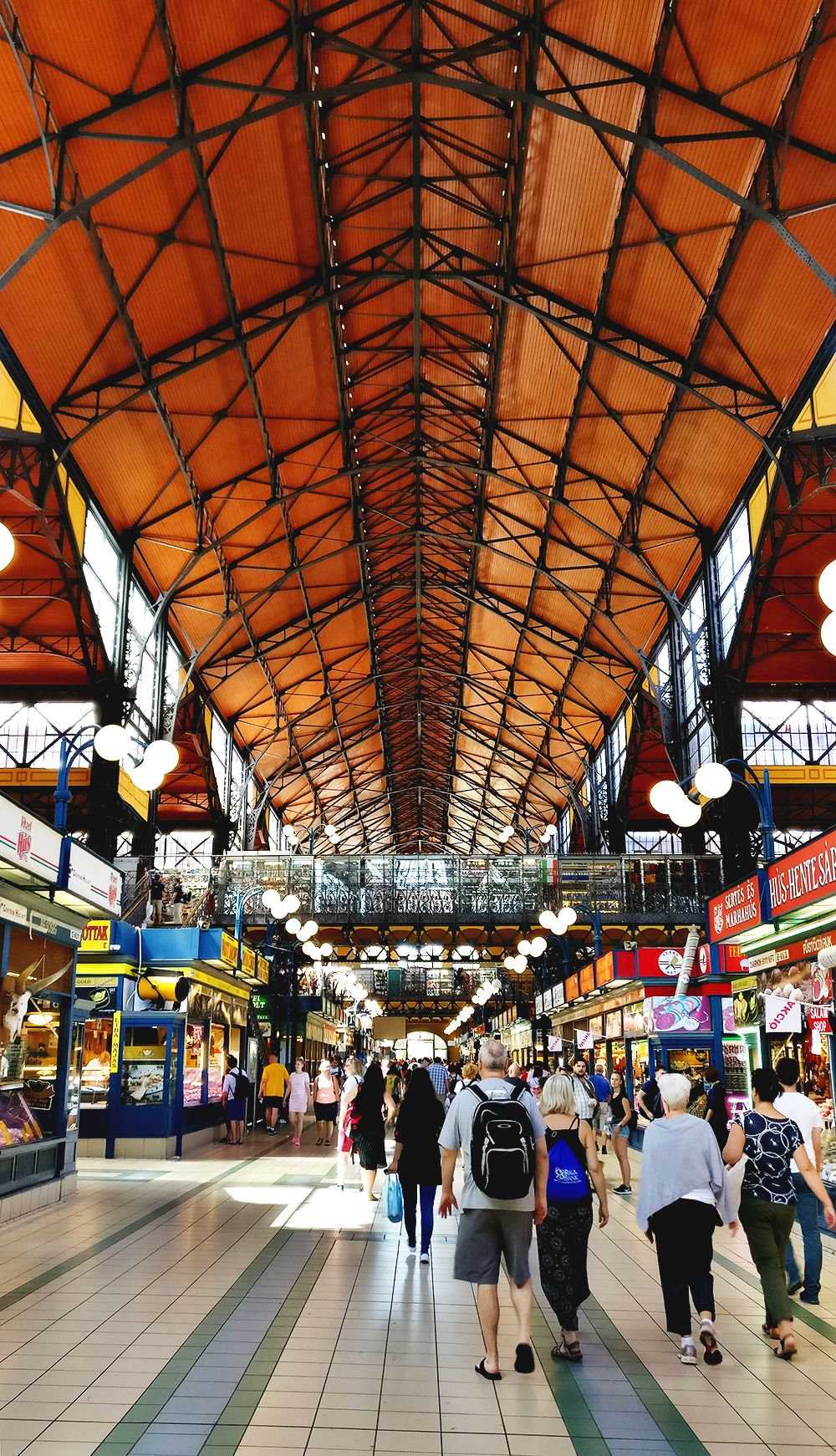 Discover the Great Market Hall - Budapest bucket list - Top things to do in Budapest | Aliz's Wonderland #travel #Budapest #bucketlist #Budapestbucketlist #printable