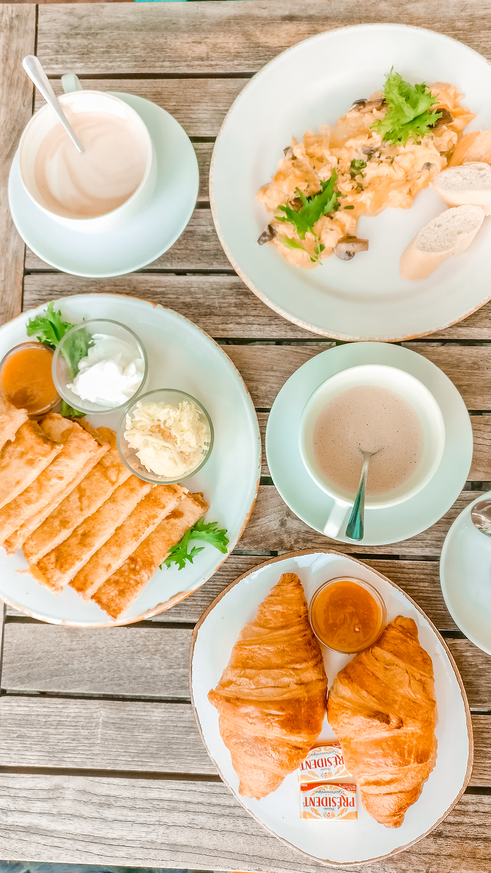 French breakfast and omelette in Peet and the Flat white - Budapest's best breakfast & brunch places in the centre - Deák Ferenc square and Astoria | Aliz's Wonderland