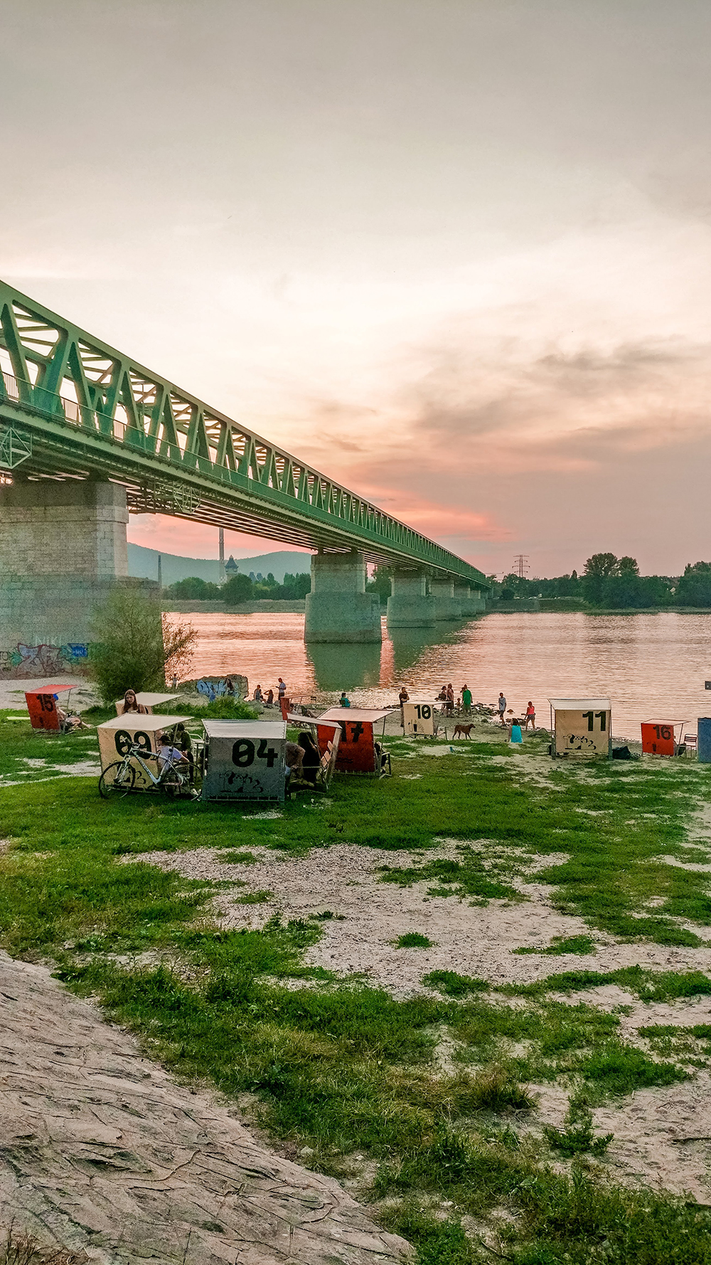 Kabin - Budapest's best outdoor bars along the Danube, a local's picks | Aliz's Wonderland