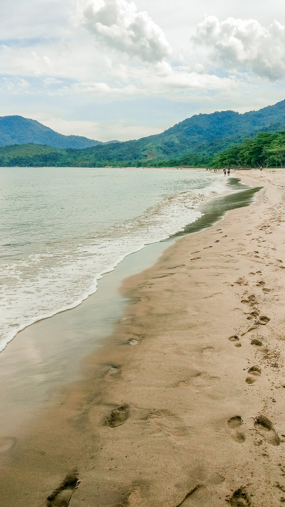 Praia de Castelhanos - Ilhabela travel guide - what to do and where to go | Aliz's Wonderland