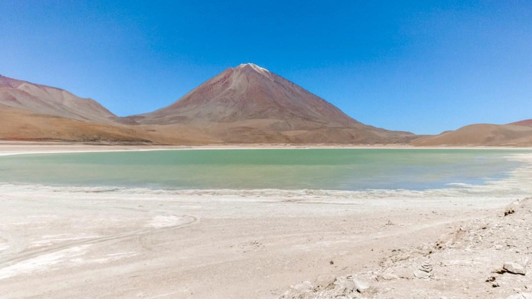 Laguna Verde (Green Lagoon) - How to pick the best Uyuni Salt Flats tour to Bolivia? | Aliz's Wonderland