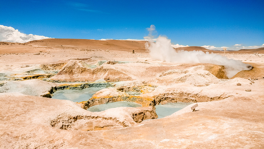 Sol de Mañana (Morning Sun) geysers - Bolivia 2-week itinerary and travel guide | Aliz's Wonderland