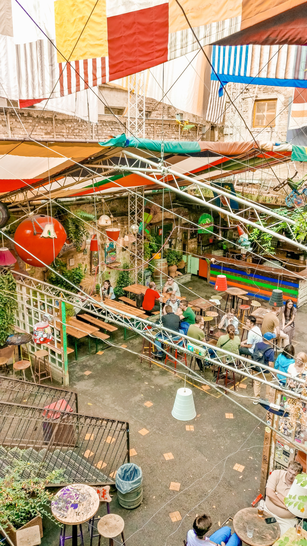 Szimpla Kert ruin bar - How to explore Budapest in 2 days? - a local's travel guide with prices and map | Aliz's Wonderland