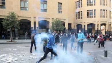 تداعيات مدمرة لانهيار الليرة.. لبنانيون: ذاهبون نحو المجهول