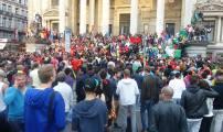 فرحة الجمهور البلجيكي بقلب العاصمة بروكسيل بعد الفوز المستحق على المنتخب الجزائري