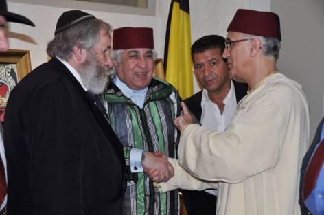 الجمعية الأمازيغية للثقافة وحماية المستثمرين المغاربة في بلجيكا تسنكر و تحتج على منتدى الصخيرات